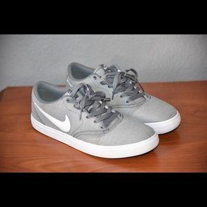 Nike SB's Grey/White